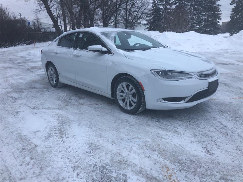2016 Chrysler 200 Limited #10244.0