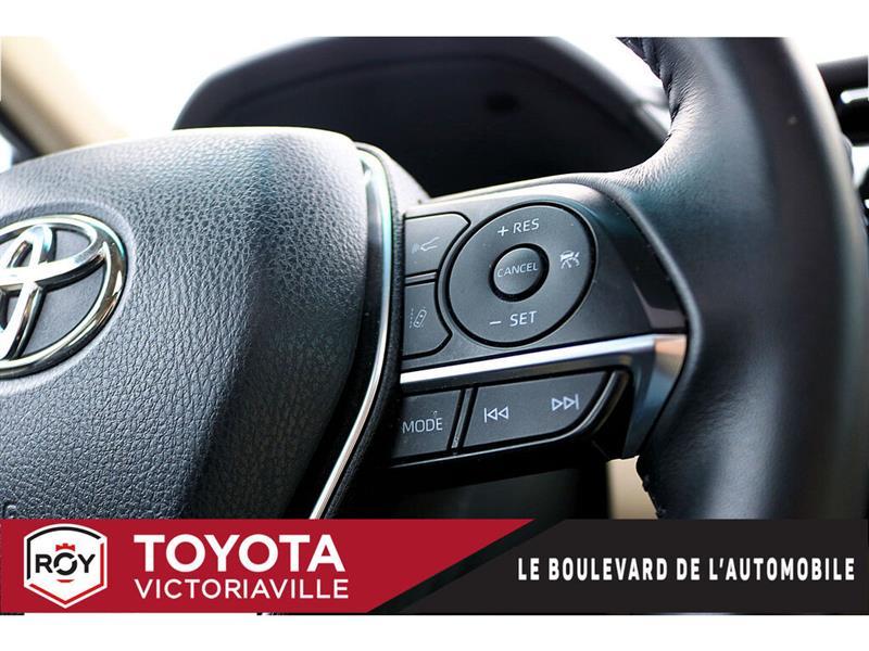 toyota Camry Hybrid 2018 - 17