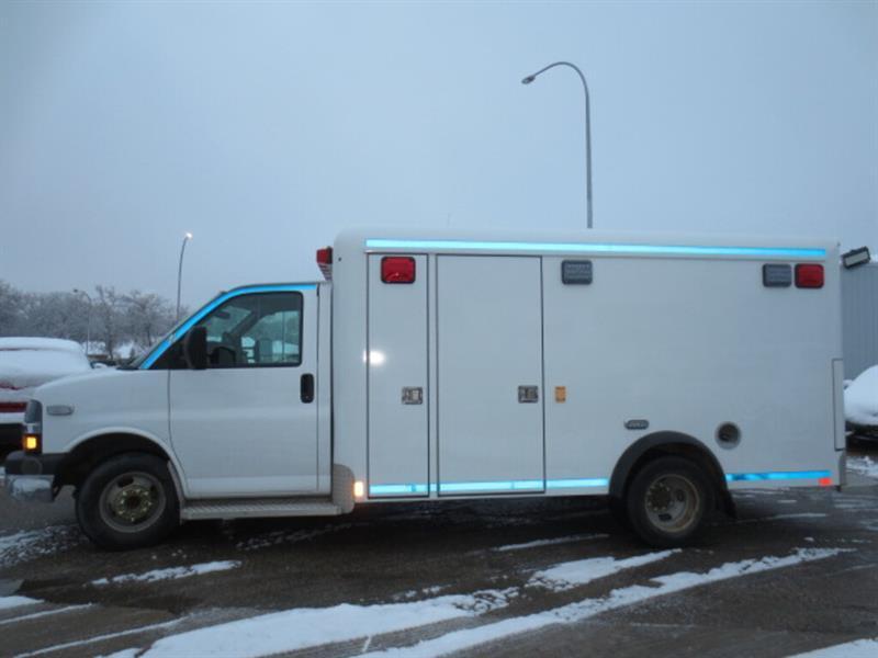 2010 Chevrolet Express 3500 3500 159  WB - Ambulance - low KMs #4663