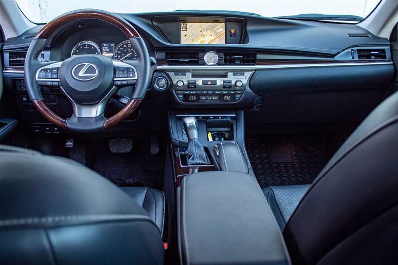 Lexus ES 350 21