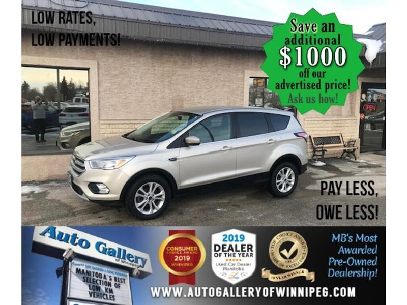 2017 Ford Escape SE* LOW KMS/Bluetooth/Reverse Camera/HEATED SEATS #24732