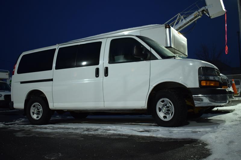 Chevrolet Express Passenger 2011 3500 ** 6.0L V8 ** 12 PASSAGERS ** #PP8080