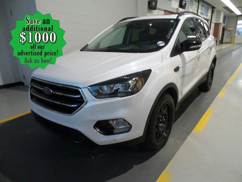 2018 Ford Escape Titanium* 4WD/B.cam/B.tooth/Nav #24723