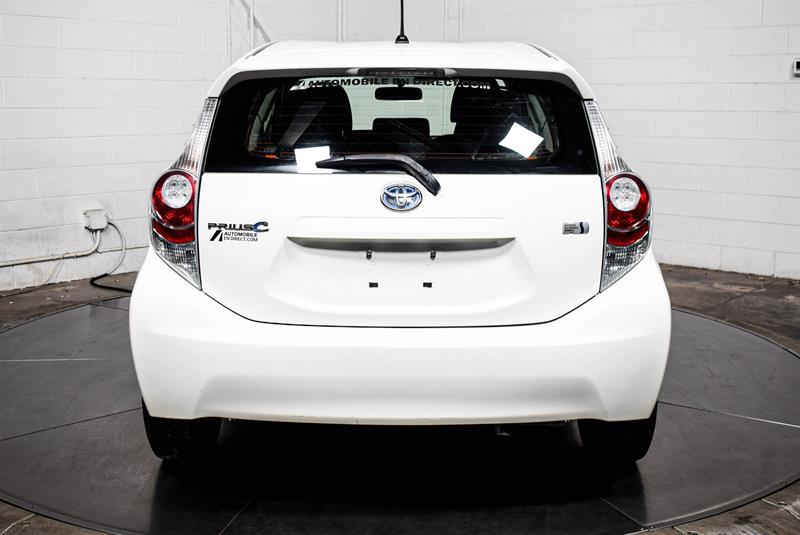 toyota Prius c 2014 - 7