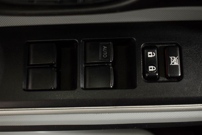 toyota Prius c 2014 - 18