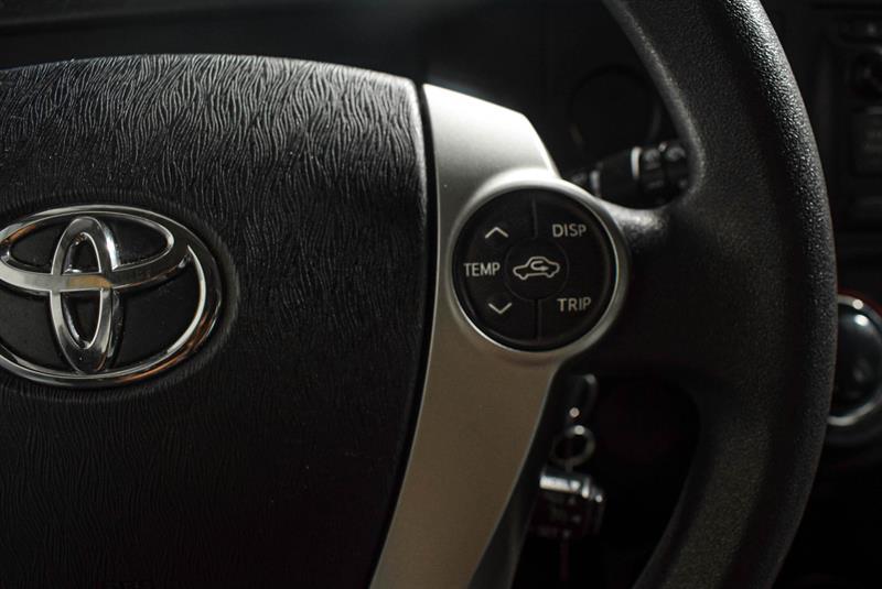 toyota Prius c 2014 - 21