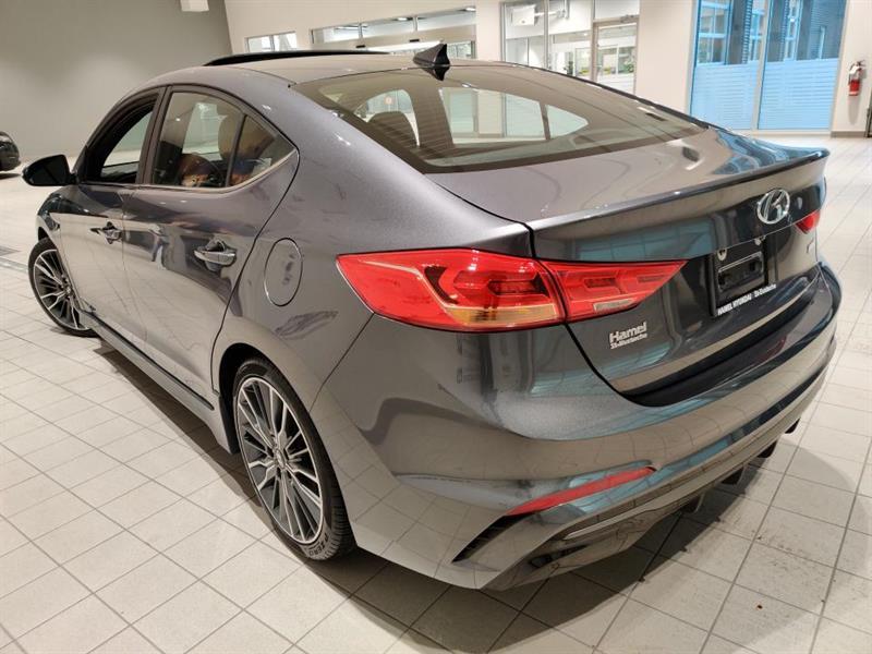 Hyundai Elantra 4