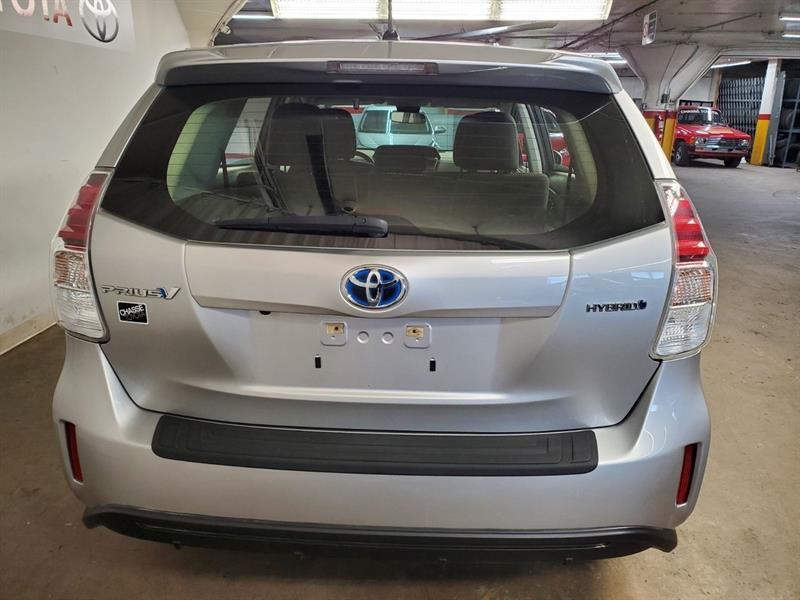 toyota Prius v 2018 - 4