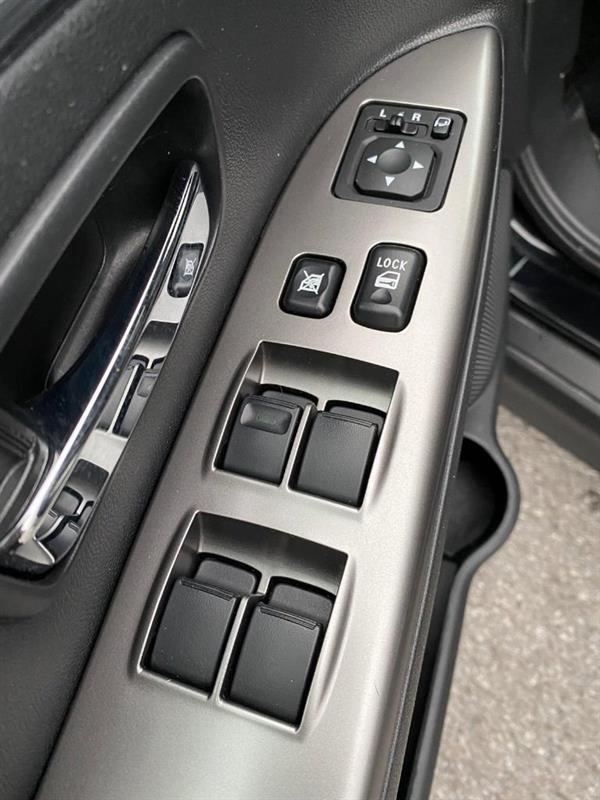 Mitsubishi RVR 22