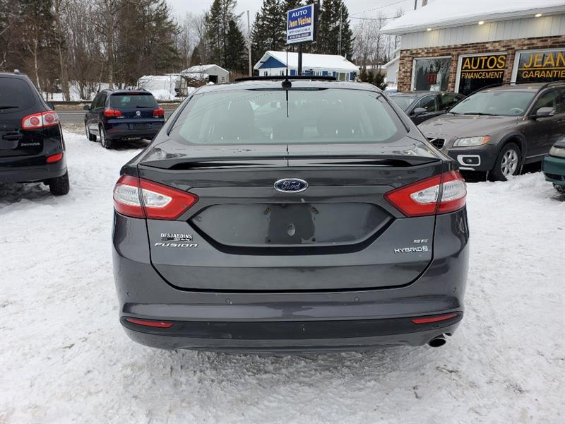 Ford Fusion 6