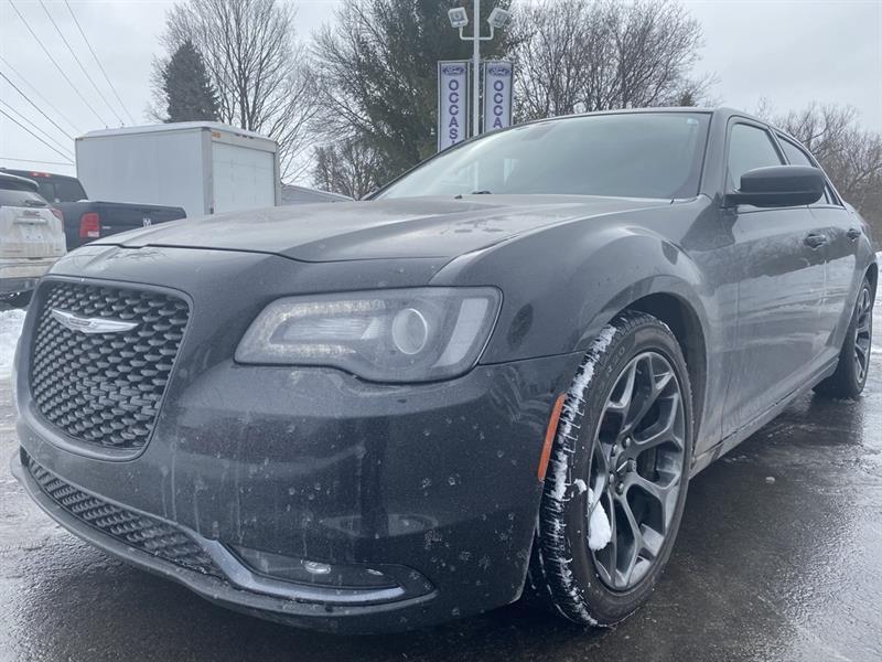 2015 Chrysler  300 300S 8 ROUES 8 PNEUS CUIR TOIT