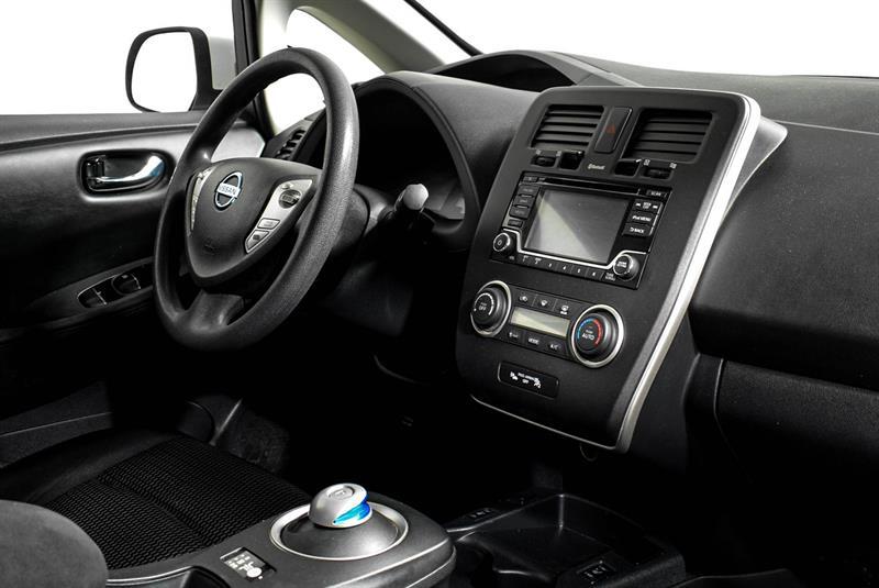 Nissan LEAF 13