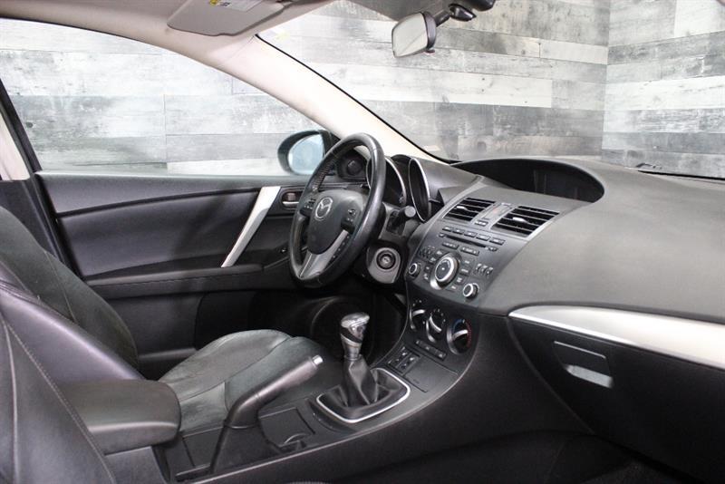 Mazda 3 32