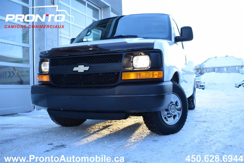 Chevrolet Express Cargo Van 29