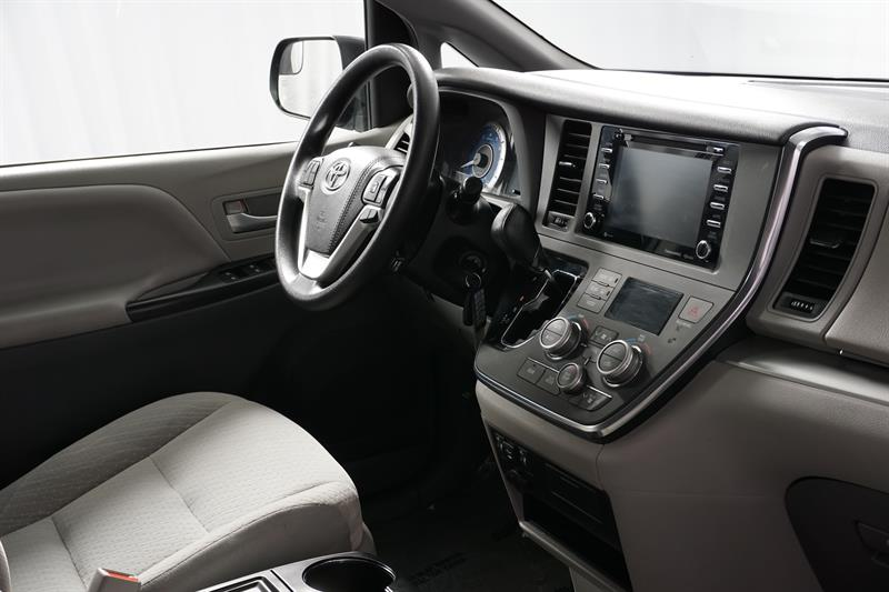 Toyota Sienna 26