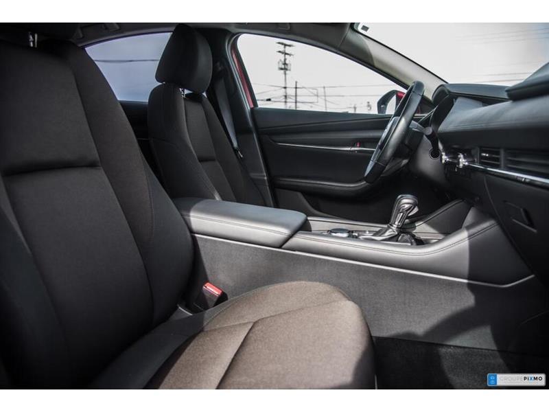 Mazda 3 31