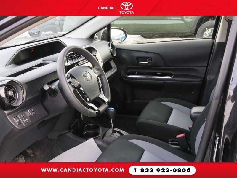 toyota Prius c 2018 - 14