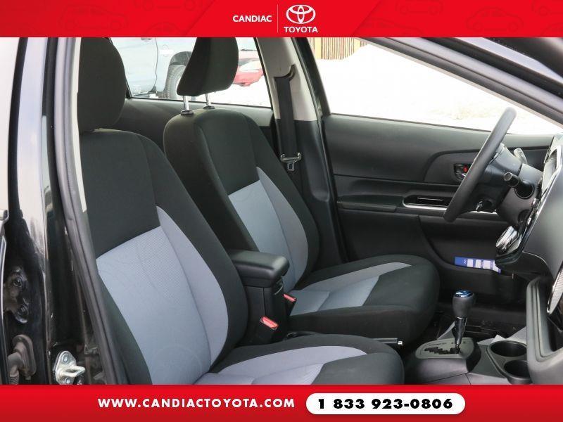 toyota Prius c 2018 - 28