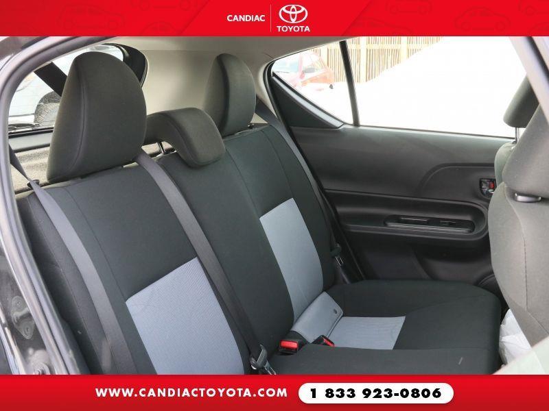 toyota Prius c 2018 - 30