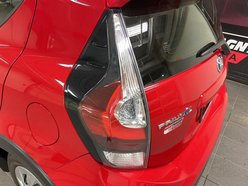 toyota Prius c 2018 - 9