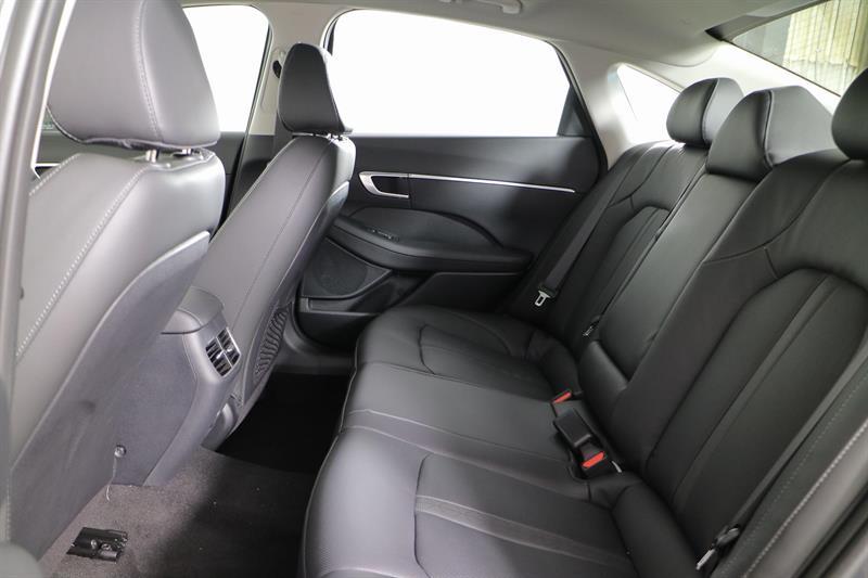 Hyundai Sonata 27