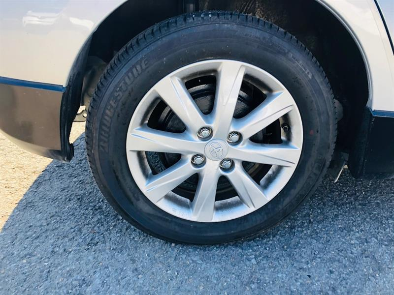 toyota Prius c 2017 - 8