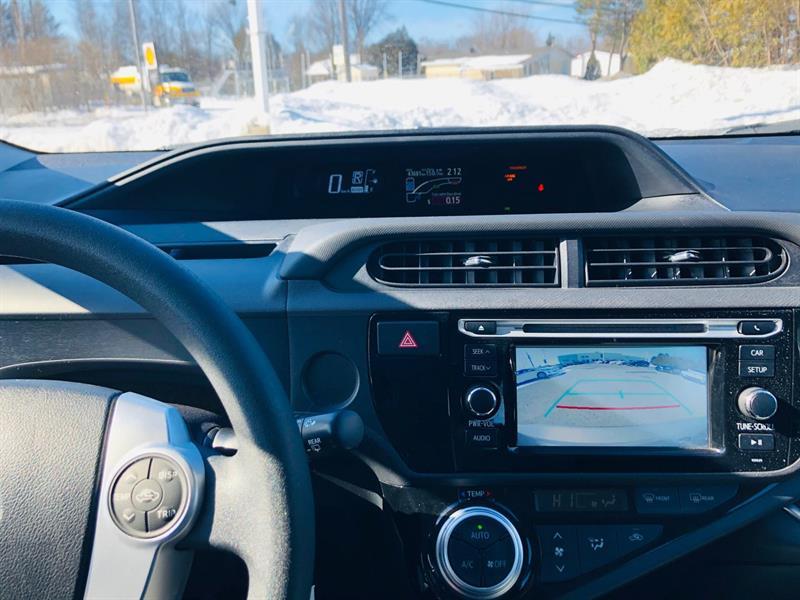 toyota Prius c 2017 - 24