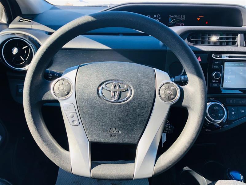 toyota Prius c 2017 - 28