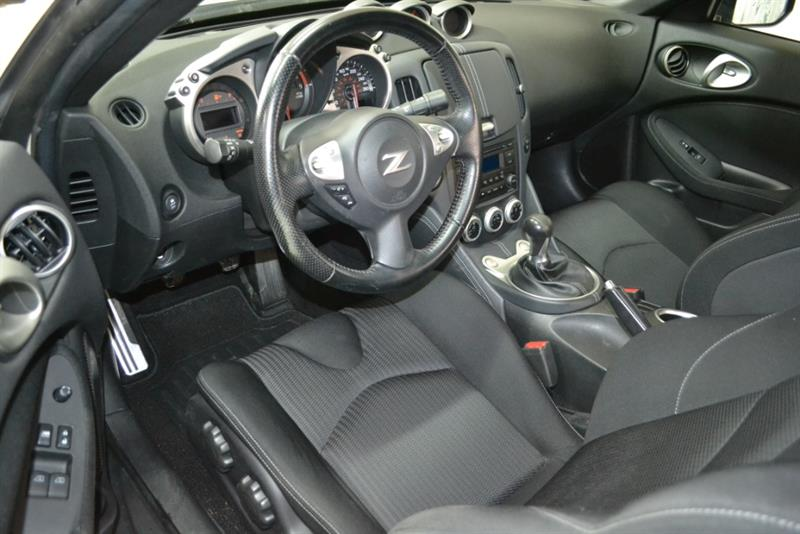 Nissan 370Z 11