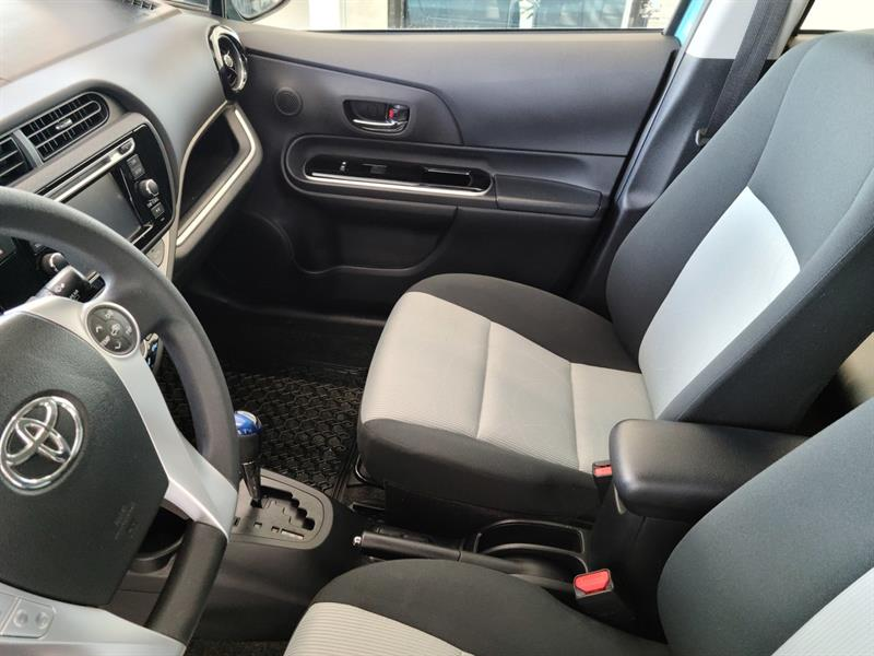 toyota Prius c 2016 - 10