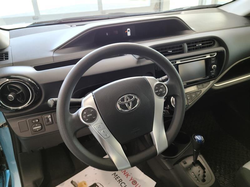 toyota Prius c 2016 - 11