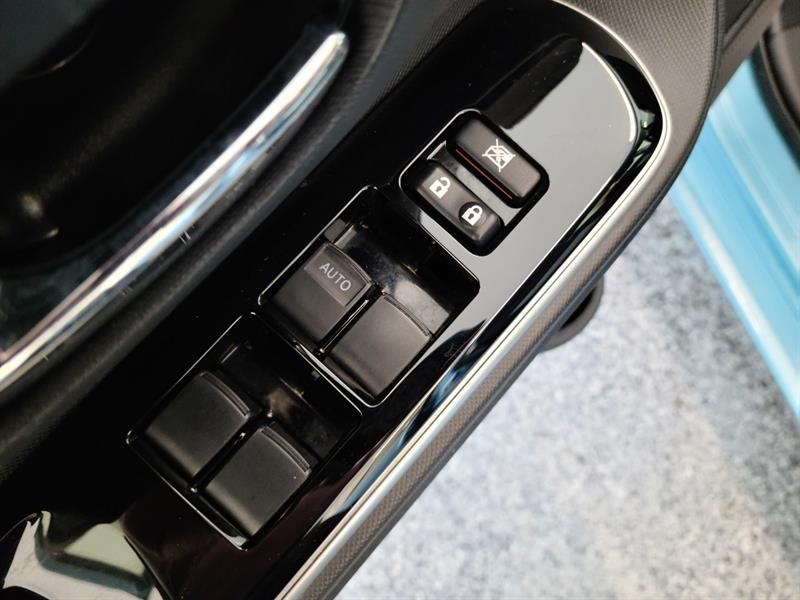 toyota Prius c 2016 - 12