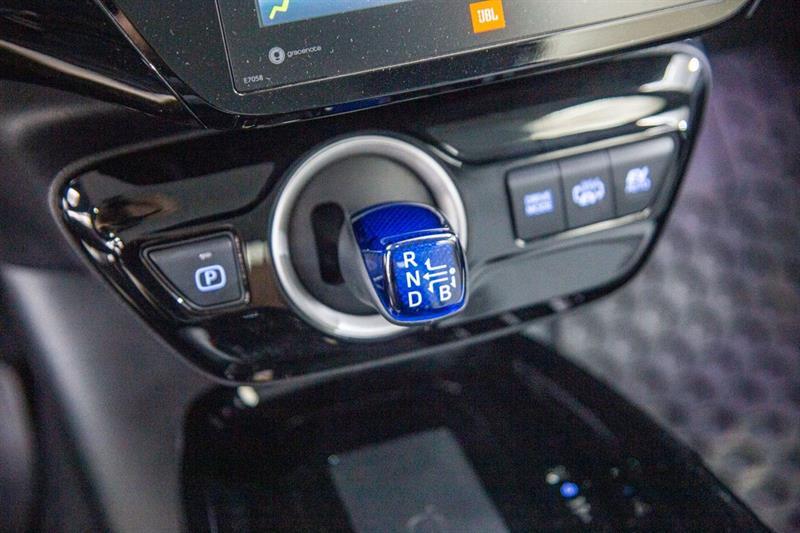 toyota Prius Prime 2020 - 17