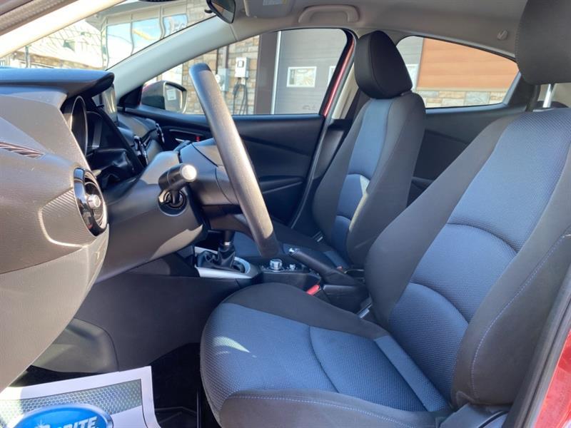 toyota Yaris Hatchback 2020 - 12