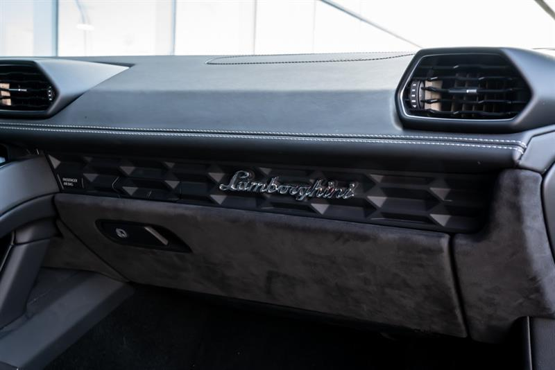 Lamborghini Huracán 12