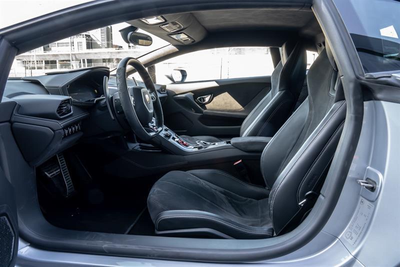 Lamborghini Huracán 16