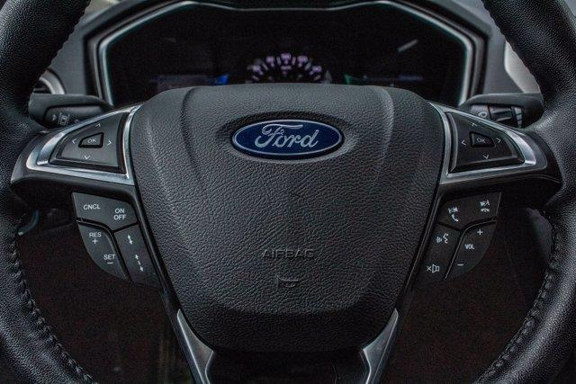 Ford Fusion  16
