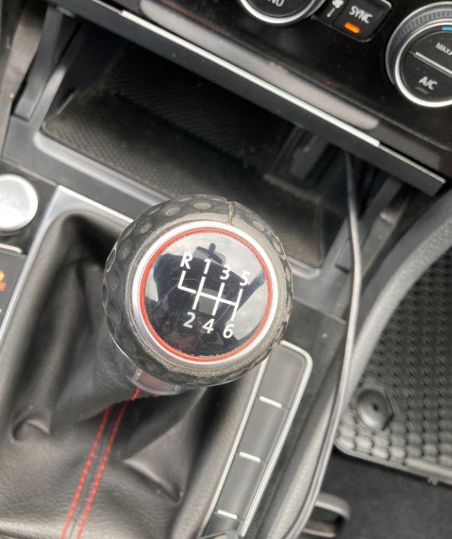 Volkswagen GTI 38
