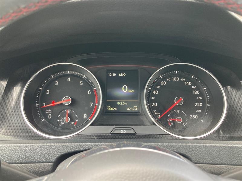 Volkswagen GTI 48