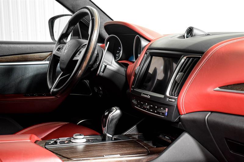 Maserati Levante 13