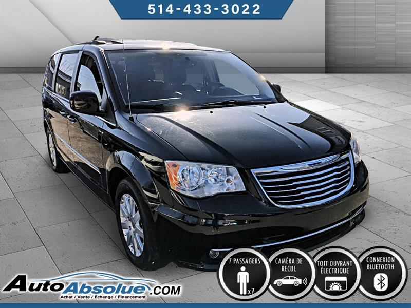 Chrysler Town and Country 3