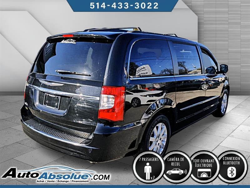 Chrysler Town and Country 4