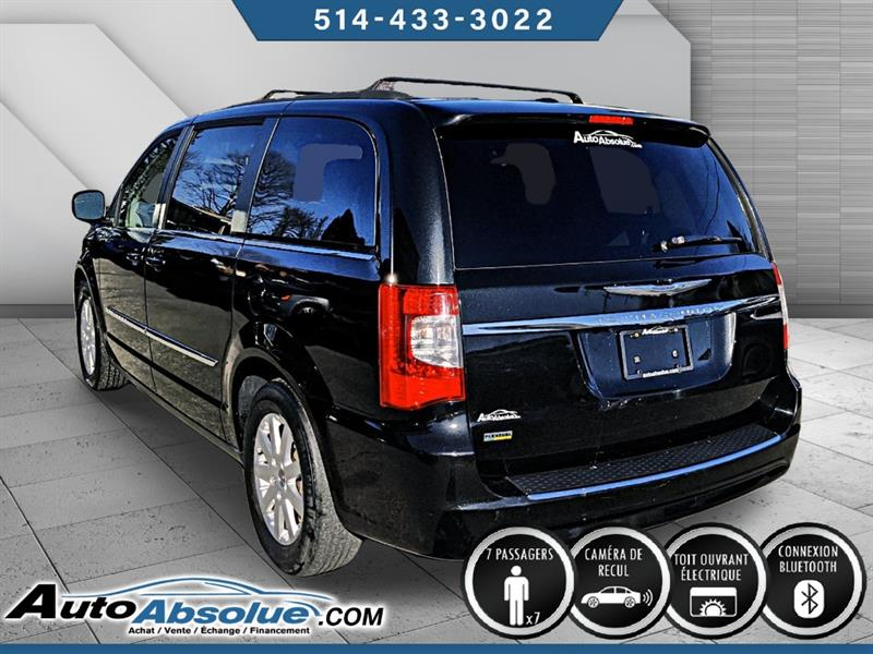 Chrysler Town and Country 5