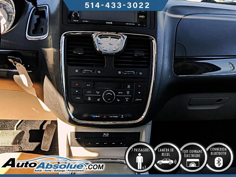 Chrysler Town and Country 8
