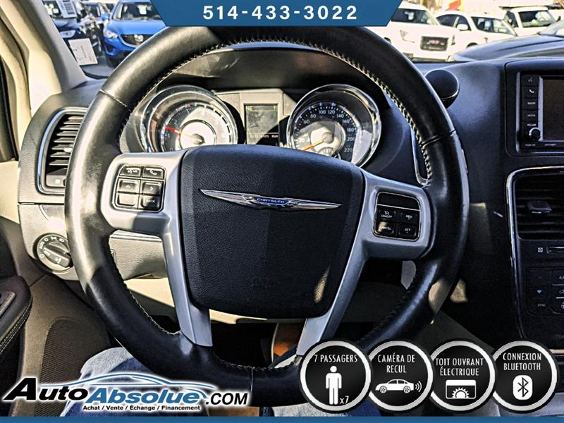 Chrysler Town and Country 10