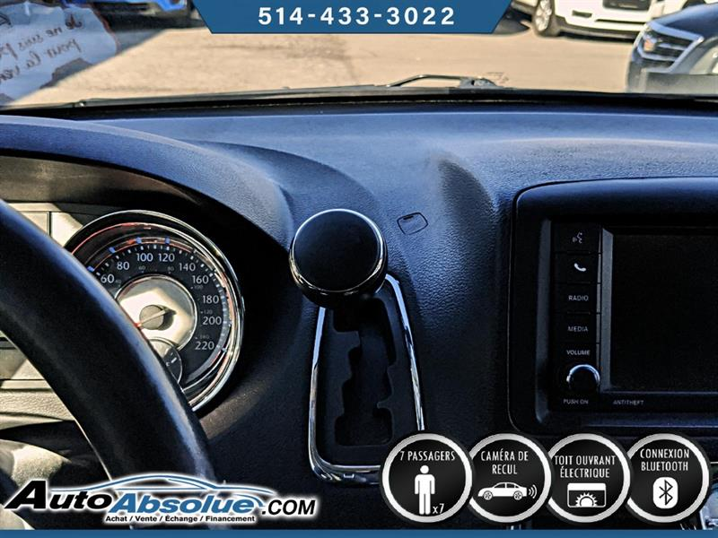 Chrysler Town and Country 15