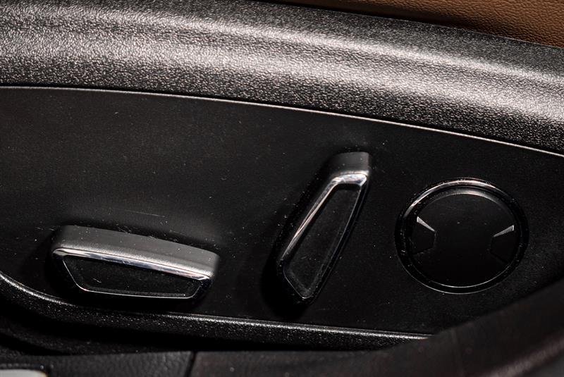 Lincoln MKZ 21