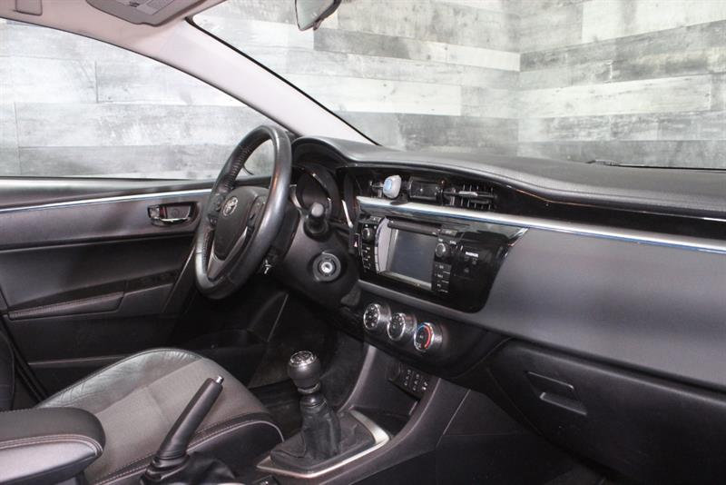 toyota Corolla 2015 - 12