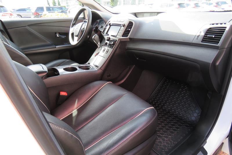 Toyota Venza 16