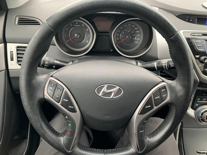 Hyundai Elantra Coupe 12